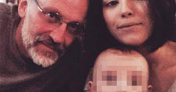 Александр Гордон отдохнул с женой, но без сына