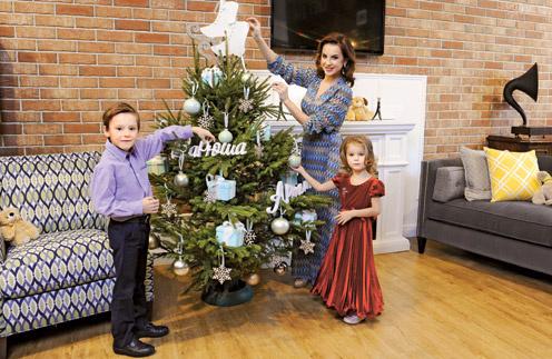 Ирина Слуцкая с сыном Артемом и дочерью Варварой
