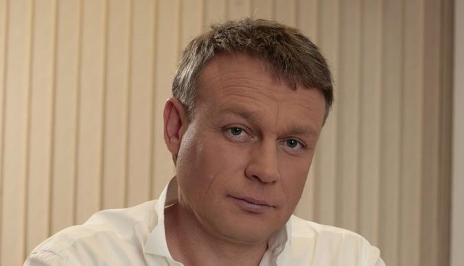 Женатому Сергею Жигунову приписывают роман с копией Анастасии Заворотнюк