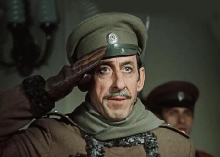 Владимир Басов героически защищал Родину и нередко играл военных