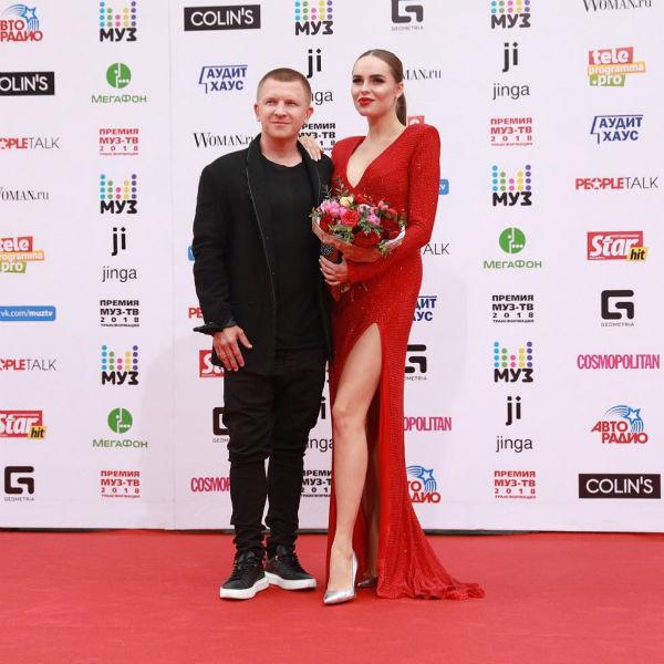 Певица Ханна с мужем