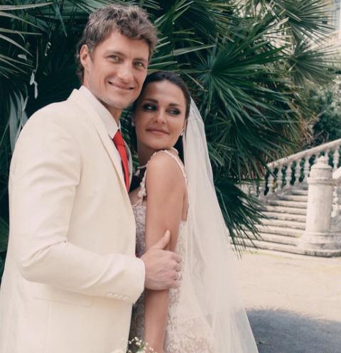 Александр Задойнов обвенчался с женой