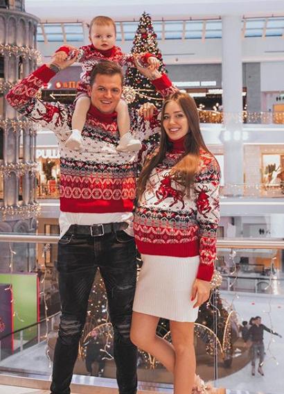 Поклонники Тарасовых по достоинству оценили их новогодние луки