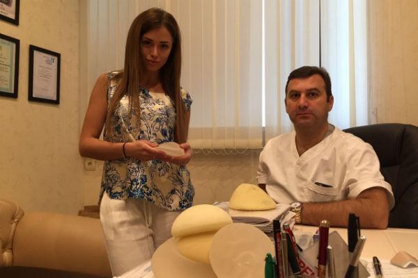 Операцию по увеличению груди провел знаменитый пластический хирург Тигран Алексанян