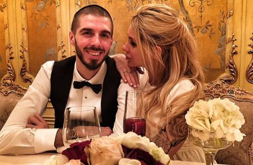 Елизавета Кутузова и Ростислав Пирогов на свадебном ужине