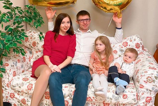 После смерти мужа Диденко осталась с двумя маленькими детьми на руках