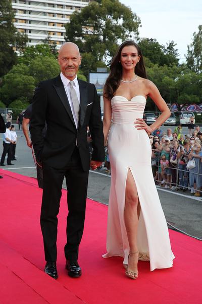Неудивительно, что режиссер и актриса получали титул самой стильной пары