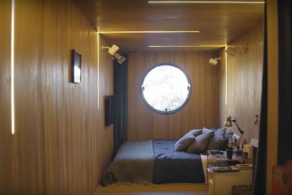 Так изнутри выглядит спальня сына Мурилу, расположенная в грузовом контейнере