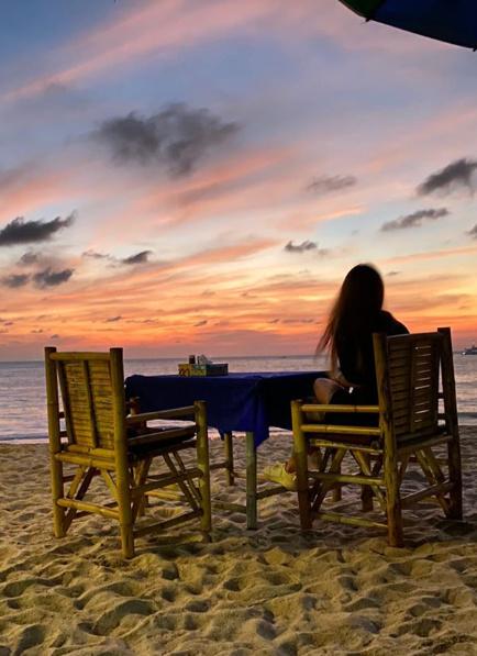 Гуф делится фотографиями закатов из Таиланда