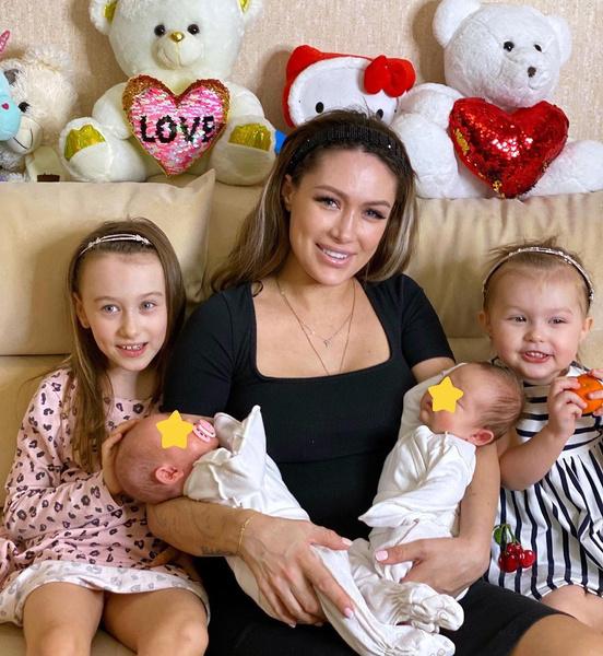 Алена Ашмарина с детьми