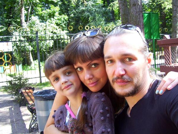 Антон быстро поладил с дочерью Барыкина Евгенией