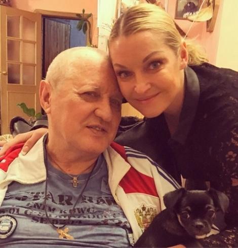 Отец Анастасии Волочковой вернулся домой после скандала с гражданской женой