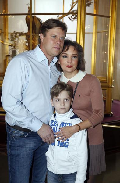 Татьяна Буланова с бывшим мужем Владиславом Радимовым и сыном