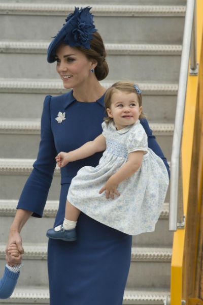 20 фото принцессы Шарлотты: как менялась дочь Кейт Миддлтон и Уильяма