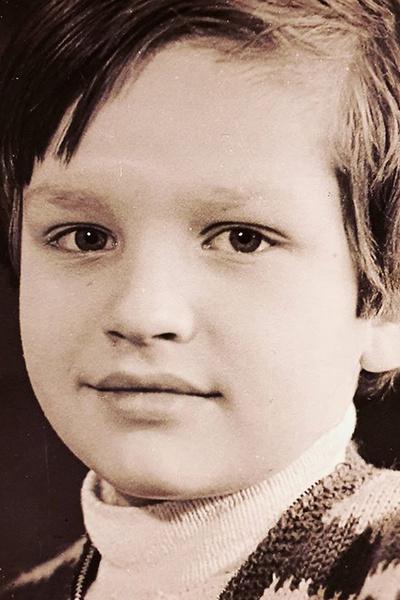 С детства Сергей мечтал о сценической карьере