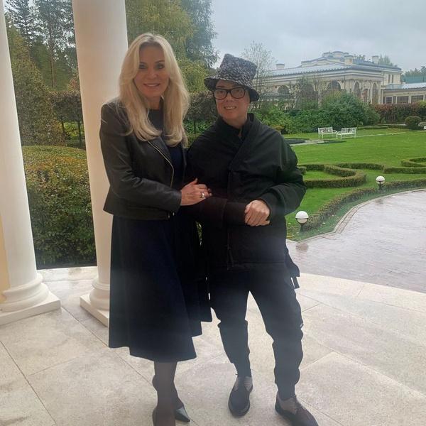 Супруга стойко выдержала новость о раке Юдашкина и не сомневалась, что вместе они одолеют недуг