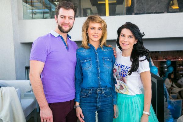 Актриса с супругом и Натальей Чистяковой-Ионовой