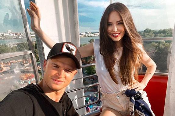 Дмитрий Тарасов устроил пьяный дебош на борту самолета