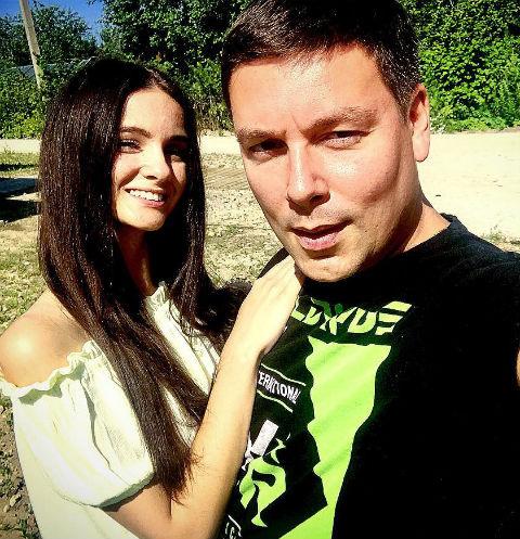 Андрей Чуев с девушкой