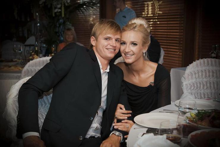 Бузова не сожалеет о браке с Тарасовым