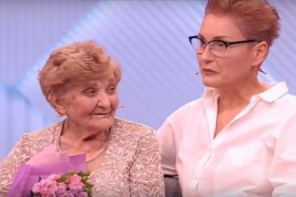 Дочь Василия Макаровича рада, что нашла первую жену папы