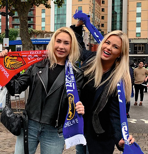 В Лондоне Анна и Анастасия посетили футбольный матч, болели за «Ливерпуль»