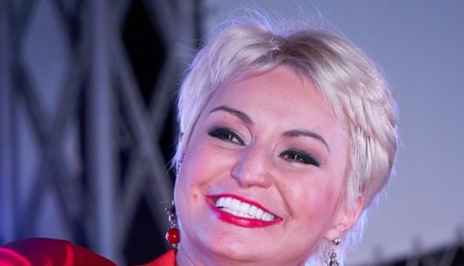 Катя Лель: «Инопланетяне забрали у меня зубы»
