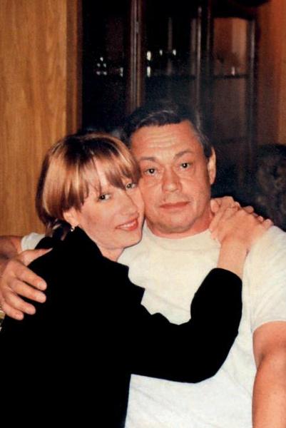 Елена Дмитриева утверждала, что у нее была многолетняя связь с артистом