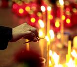 «Открыли гробы, я каждого сына потрогала, у старшего родинки все пересчитала». Взрыв в Каспийске, унесший 69 жизней