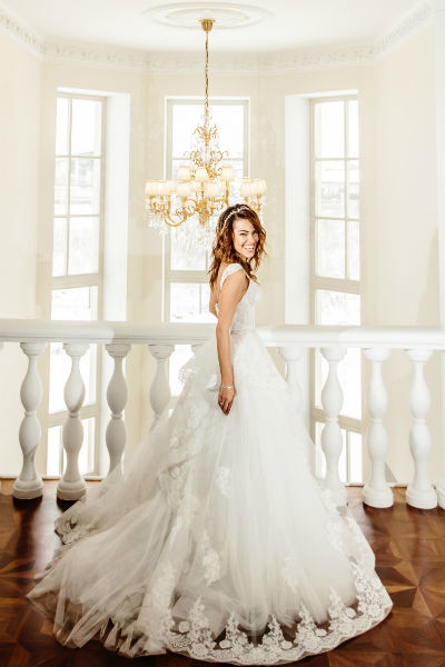 Галина долго выбирала свадебный наряд