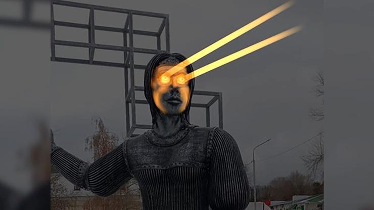 Людей пугают глаза скульптуры