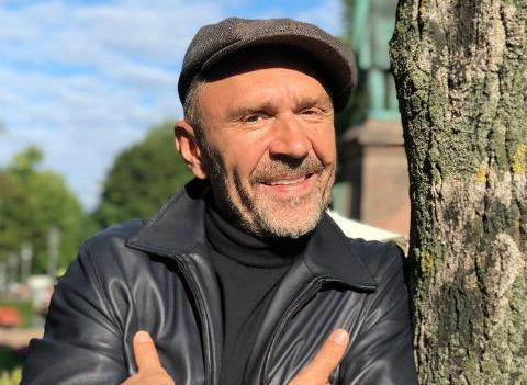 Первый канал разрешил Сергею Шнурову нарушить правила шоу «Голос»