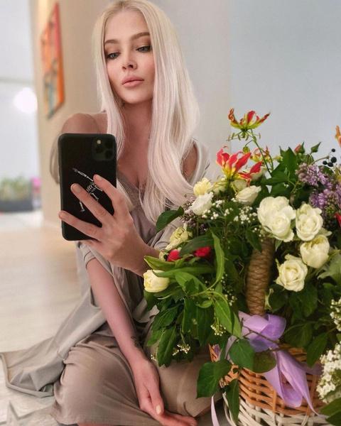 Силиконовые Барби или тургеневские барышни: каких девушек выбирают Тимати, Моргенштерн, Гуф и другие рэперы