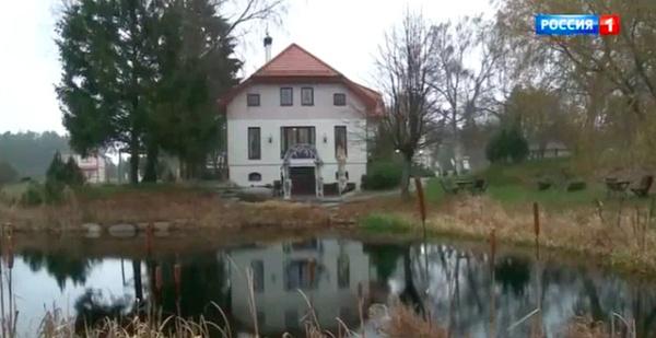 Артистка построила небольшой гостевой дом
