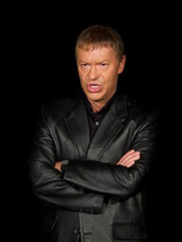 Федор Бондарчук в образе экстрасенса