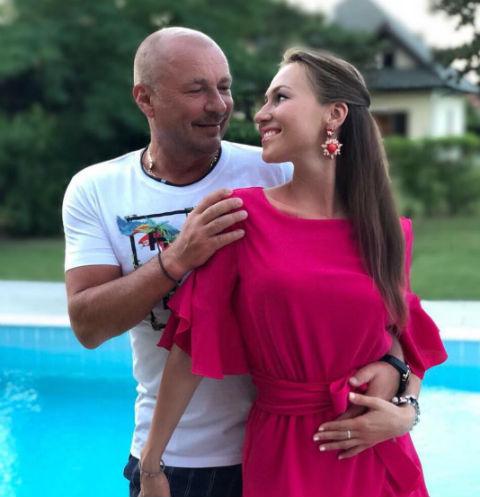 Александр Жулин с женой
