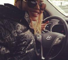 Корнелия Манго выбирает новый автомобиль