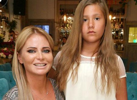 Дана Борисова выиграла суд у отца своей дочери