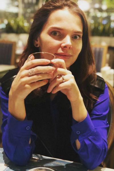 Елизавета Боярская посетила кафе