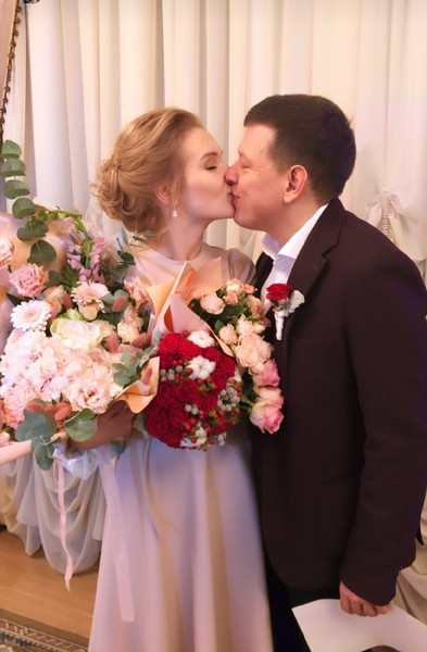 Церемония бракосочетания прошла очень скромно
