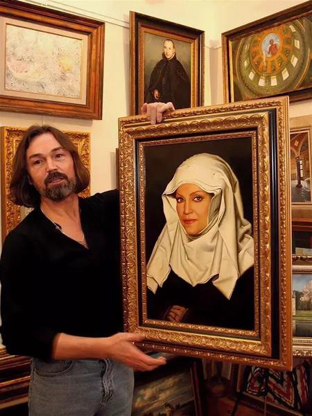 Прежде, чем закончить икону, Никас Степанович намерен спросить благословения у духовника