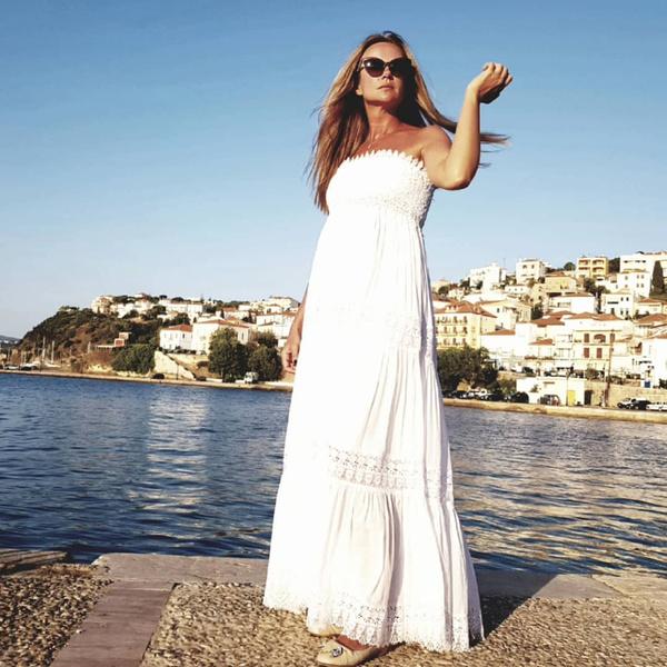 Мария Миронова уехала в Грецию, когда до родов оставало несколько недель