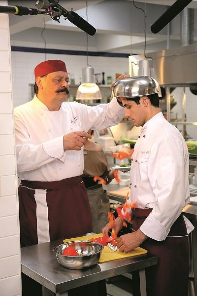 Популярность Назарову вернула роль повара Виктора Петровича из сериала «Кухня»