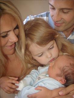 Антон и Виктория Макарские с дочкой Машей и сыном Ванечкой