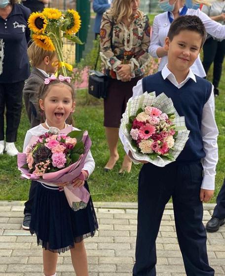 Павел Прилучный и Агата Муцениеце изображали счастливую пару ради сына