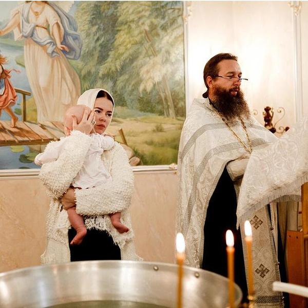 Елена Князева крестила сына