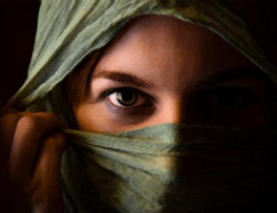 #Янебоюсьсказать: горькие воспоминания женщин о насилии и осуждение в Сети