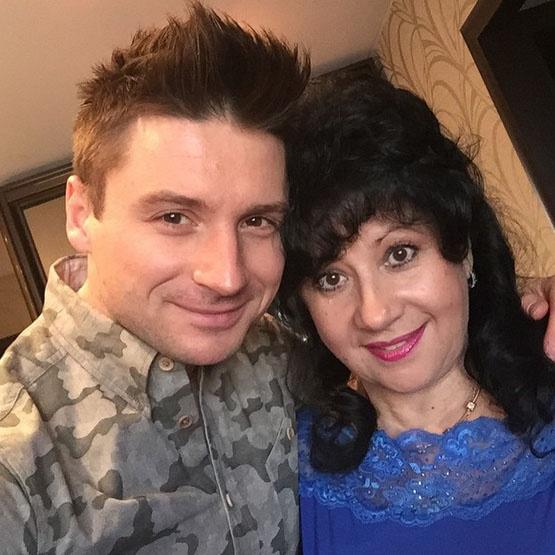 Сергей Лазарев с мамой Валентиной Викторовной