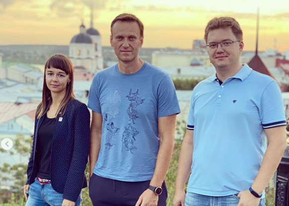 Алексея Навального подключили к аппарату ИВЛ
