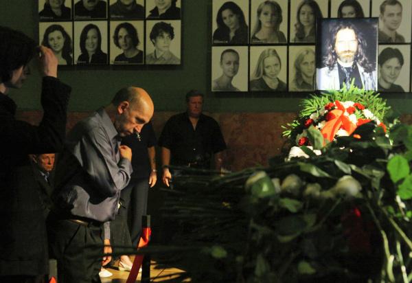 Почему Павел Смеян хотел убить Ветлицкую, уходил в монастырь и умер в 52